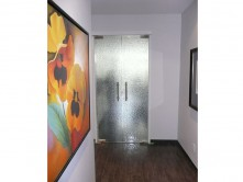 1Frameless glass doors (Carole)