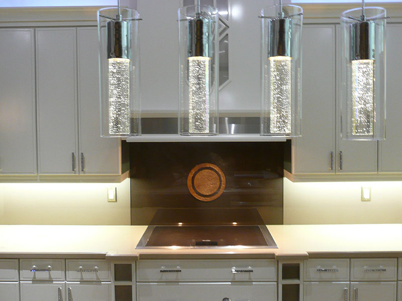 BACKPAINTED GLASS BACKSPLASH (BSPL31)