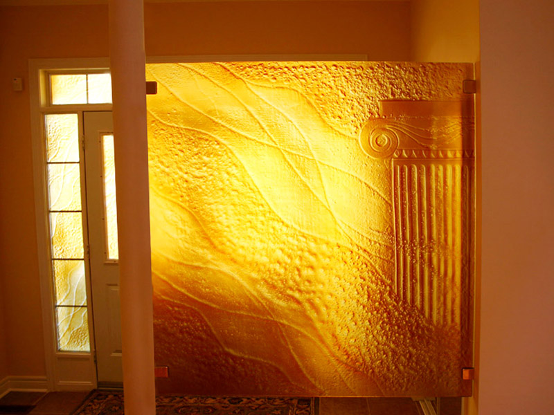 Five Ways to Dress up a Living Room with Wall-Mounted Glass - CBD Glass