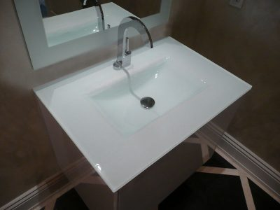 BACKPAINTED INTEGRATED GLASS SINK (IS12)