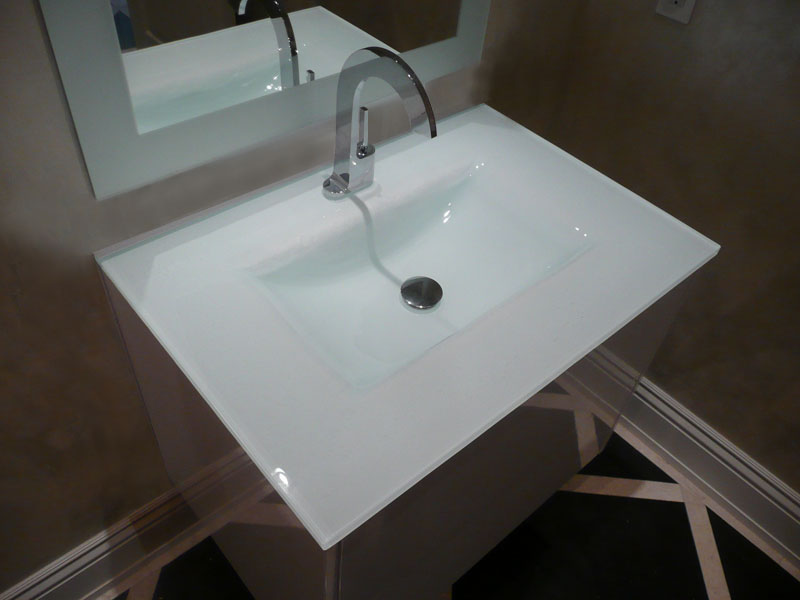 Bon BACKPAINTED INTEGRATED GLASS SINK (IS12)